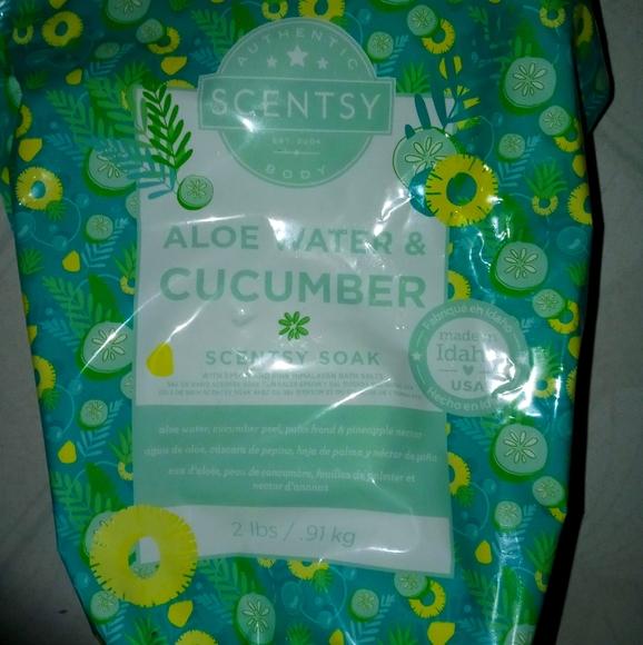 Scentsy Aloe & Cucumber Scentsy soak 2 lbs New